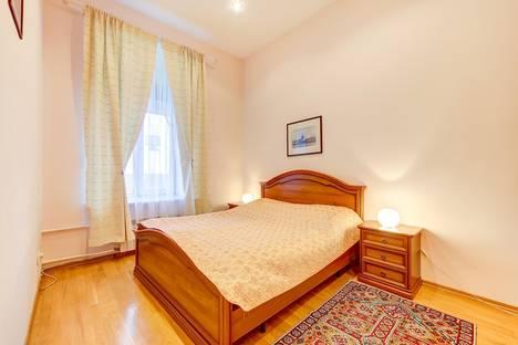 Сдается 3-комнатная квартира посуточно в Санкт-Петербурге, набережная Мойки, 6.