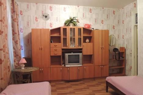 Сдается 1-комнатная квартира посуточнов Санкт-Петербурге, Опочинина улица, 7.