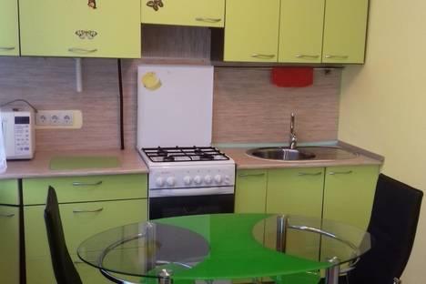 Сдается 1-комнатная квартира посуточно в Нефтеюганске, 1-й микрорайон.