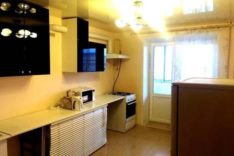 Сдается 2-комнатная квартира посуточно в Костроме, улица Никитская д 118.