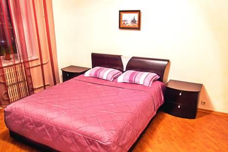 Сдается 2-комнатная квартира посуточно в Воронеже, проспект Московский, 149А.