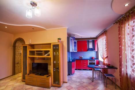 Сдается 2-комнатная квартира посуточно в Междуреченске, улица Космонавтов.