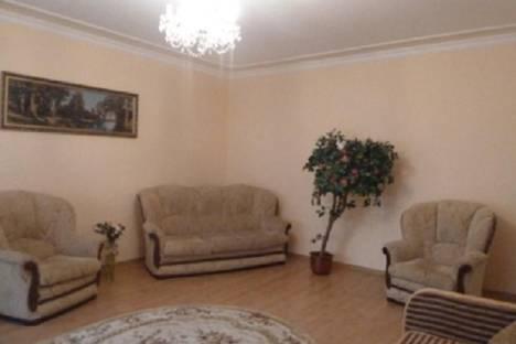 Сдается 2-комнатная квартира посуточнов Ильичёвске, вулиця 1-го Травня, 10б.