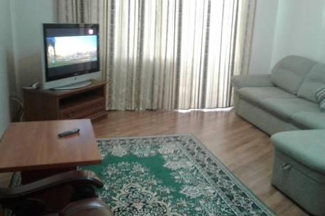 Сдается 2-комнатная квартира посуточно в Астане, микрорайон Самал, 8.