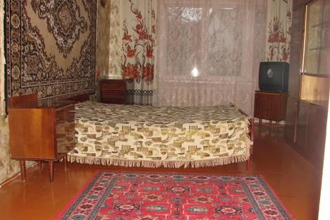 Сдается 2-комнатная квартира посуточно в Саки, улица Ленина.