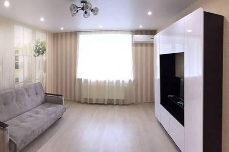 Сдается 2-комнатная квартира посуточнов Казани, Павлюхина, 99б.