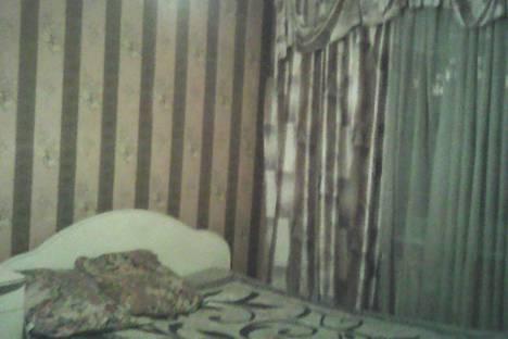 Сдается 1-комнатная квартира посуточнов Щёкине, улица Фрунзе, 4.