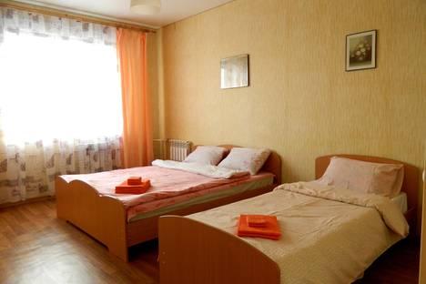 Сдается 2-комнатная квартира посуточнов Печоре, улица Школьная, 5.
