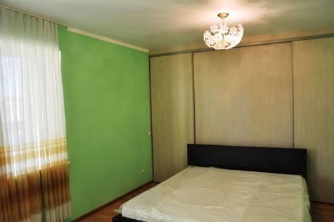 Сдается 2-комнатная квартира посуточнов Тюмени, улица Ямская, 88.