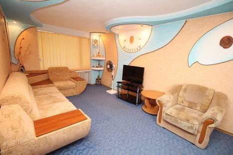 Сдается 2-комнатная квартира посуточно, Советская улица, 18.