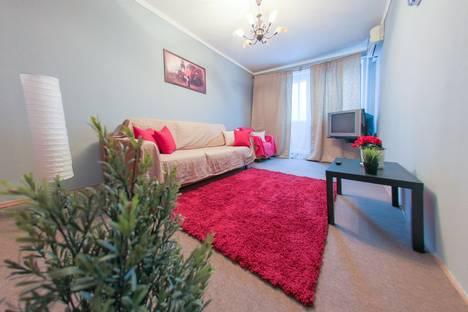 Сдается 2-комнатная квартира посуточнов Жуковском, Новомарьинская улица, 12/12 корпус 1.