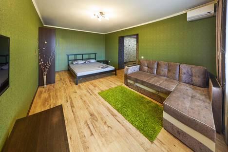Сдается 1-комнатная квартира посуточно в Кургане, улица Карельцева, 101.