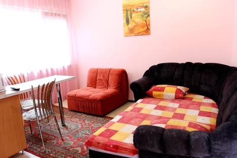 Сдается 1-комнатная квартира посуточнов Ливадии, улица Батурина, 12.