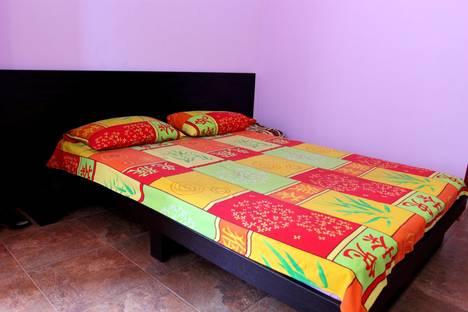 Сдается 1-комнатная квартира посуточнов Ливадии, улица Батурина, 10.