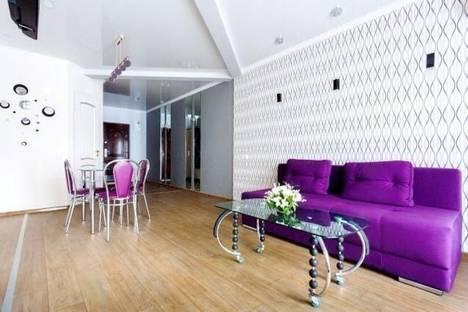 Сдается 2-комнатная квартира посуточно в Николаеве, улица Московская, 14.