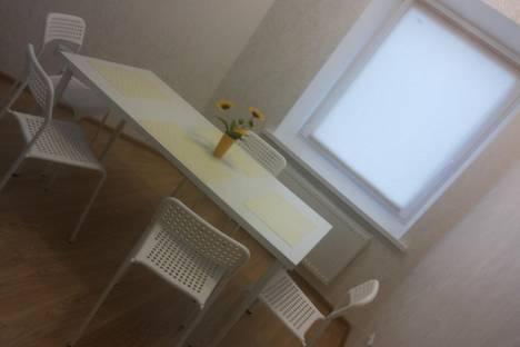 Сдается 2-комнатная квартира посуточно в Лиде, улица Комсомольская.