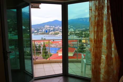 Сдается 1-комнатная квартира посуточнов Ливадии, улица Дражинского, 4А.