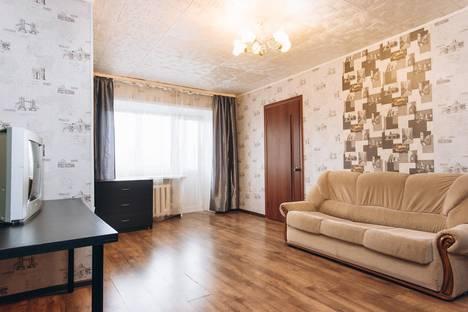 Сдается 2-комнатная квартира посуточнов Екатеринбурге, улица Челюскинцев 33А.