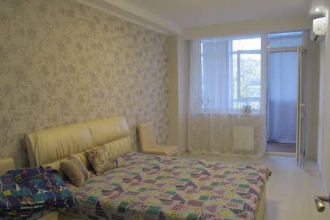 Сдается 2-комнатная квартира посуточно, Ревкомовский переулок, 4.