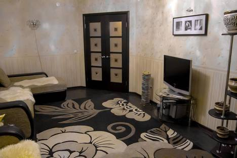 Сдается 2-комнатная квартира посуточнов Великом Устюге, улица Сахарова, 38.