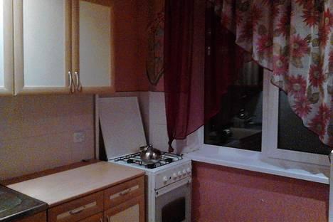 Сдается 2-комнатная квартира посуточно в Орске, город , ул. Нефтяников, 2А.