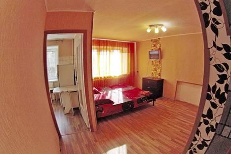 Сдается 1-комнатная квартира посуточнов Кстове, улица 40 лет Октября, 7.