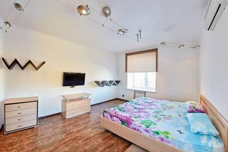Сдается 2-комнатная квартира посуточнов Кургане, улица Ленина, 22.