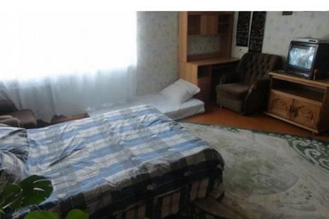 Сдается 1-комнатная квартира посуточнов Серове, улица Каляева, 57.