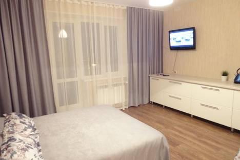 Сдается 1-комнатная квартира посуточно в Челябинске, улица Братьев Кашириных, 119.