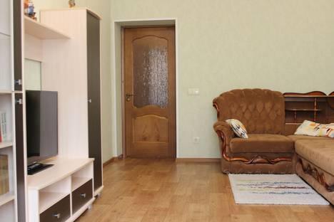 Сдается 2-комнатная квартира посуточнов Омске, улица Герцена, 13.