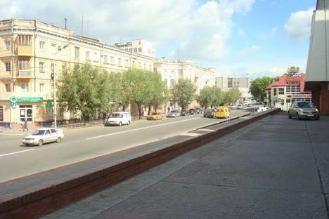 Сдается 2-комнатная квартира посуточно в Омске, улица Герцена, 13.