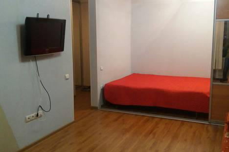 Сдается 1-комнатная квартира посуточнов Тюмени, улица Республики, 90.