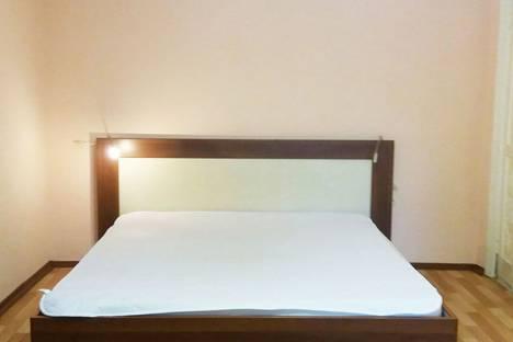 Сдается 1-комнатная квартира посуточнов Тюмени, улица Хохрякова, 69.