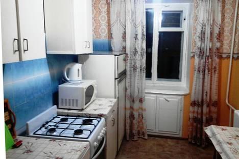 Сдается 2-комнатная квартира посуточно в Ухте, проспект Космонавтов 19.
