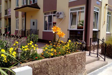 Сдается 2-комнатная квартира посуточно в Адлере, Ружейная ул., 47.