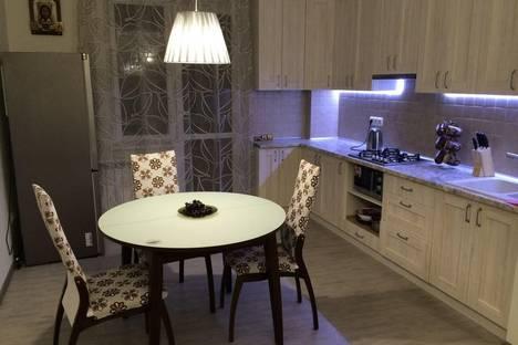 Сдается 2-комнатная квартира посуточно в Ессентуках, улица Пятигорская, 7.