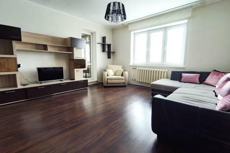Сдается 2-комнатная квартира посуточнов Ханты-Мансийске, ул. Энгельса, 56.