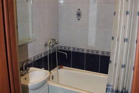 Сдается 1-комнатная квартира посуточно в Ленинске-Кузнецком, проспект Кирова, 81.