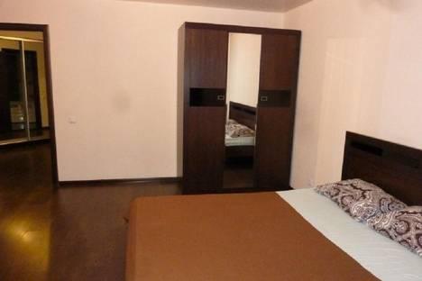 Сдается 2-комнатная квартира посуточно в Тюмени, улица Прокопия Артамонова, 5.