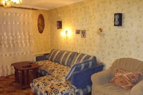 Сдается 2-комнатная квартира посуточнов Таштаголе, улица Дзержинского, 3.