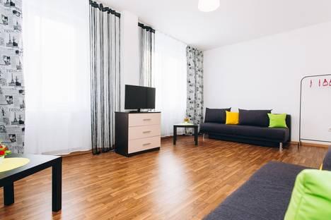 Сдается 2-комнатная квартира посуточно в Екатеринбурге, улица Краснолесья, 129.