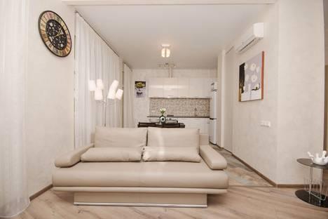Сдается 3-комнатная квартира посуточно в Минске, проспект Независимости 85.