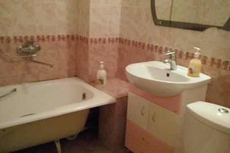 Сдается 1-комнатная квартира посуточнов Бердске, Лунная улица дом 28.