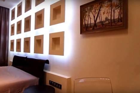 Сдается 1-комнатная квартира посуточнов Екатеринбурге, улица Маршала Жукова, 10.