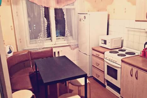 Сдается 4-комнатная квартира посуточнов Кировске, ул. Олимпийская, 85.