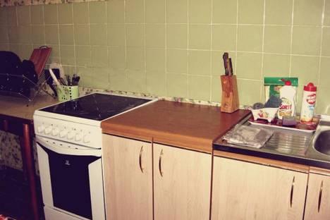 Сдается 2-комнатная квартира посуточнов Кировске, Олимпийская улица, 75.