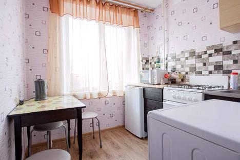 Сдается 1-комнатная квартира посуточно, проспект 30-летия Победы, 8.