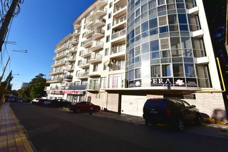 Сдается 2-комнатная квартира посуточнов Сочи, улица Тургенева.