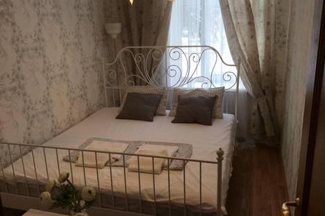 Сдается 2-комнатная квартира посуточно в Нижнем Тагиле, улица Карла Маркса дом 89.