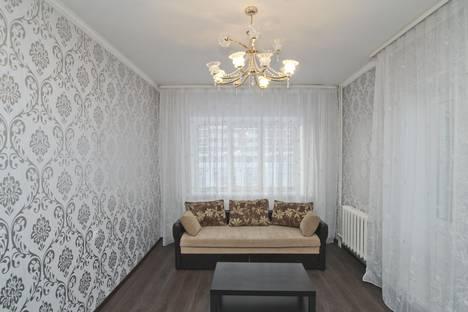 Сдается 2-комнатная квартира посуточно в Сургуте, улица Мелик-Карамова, 78.